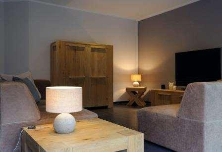 Декоративные настольные лампы в вашем уютном интерьере