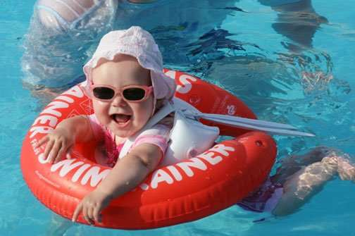 Что учитывать при выборе круга для обучения плаванию