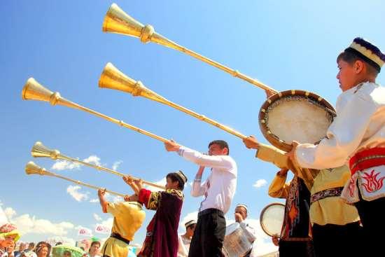 Где можно скачать русскую, зарубежную и узбекскую музыку