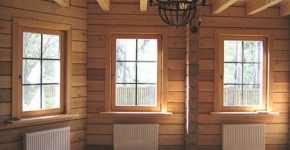 Деревянное окно из бруса.