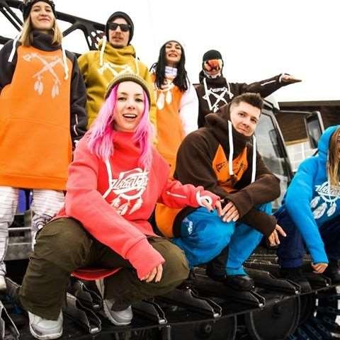 Чтобы зимой было тепло одежду нужно покупать в Alexbraidt