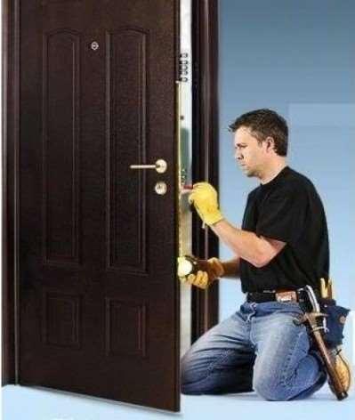Услуги монтажа: установка входных дверей
