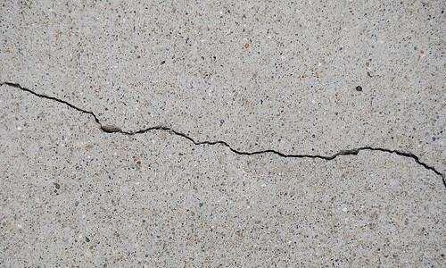 Почему разрушается и крошится бетон?