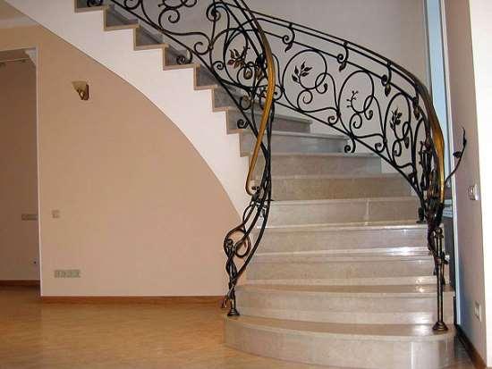 Как изготовить ограждение для лестницы