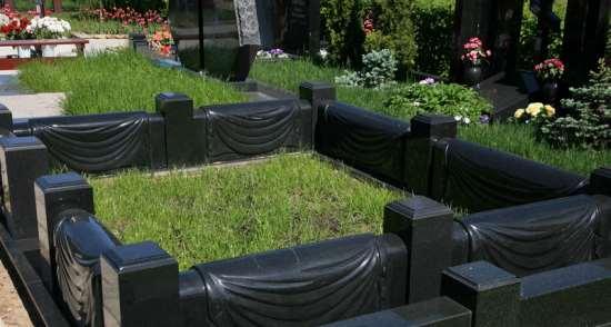 Долговечные и эстетичные гранитные цоколи на могилу