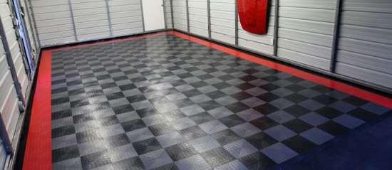 Чем так востребовано резиновое напольное покрытие в гараже?