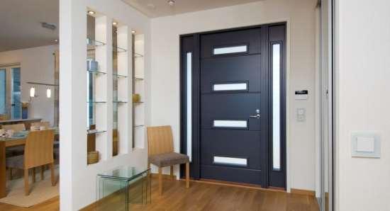 На что обратить внимание при покупке входной двери в квартиру?