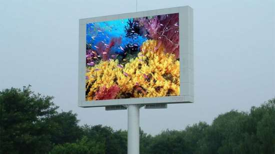 Почему светодиодные экраны для рекламы пользуются большой популярностью
