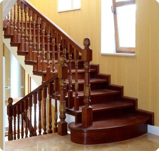 Выпуск винтовых и маршевых деревянных лестниц