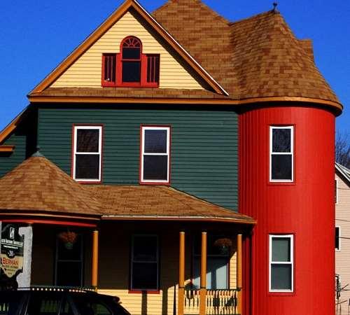 Технология окраски фасадов частных домов