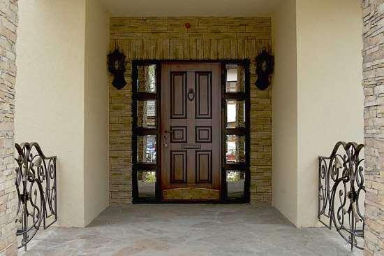 Чем металлические входные двери превосходят аналоги из других материалов