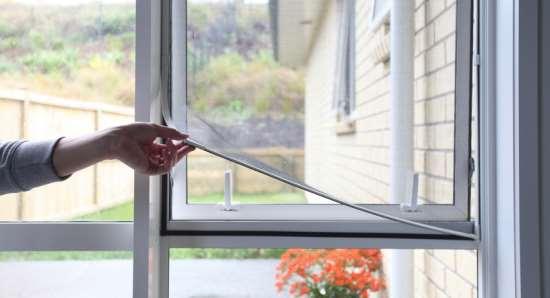 Как выбрать москитную сетку для своего дома?