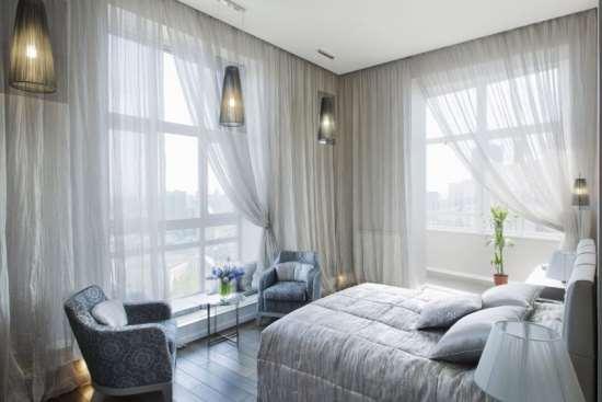 Как выбрать для своей спальни самые подходящие шторы?