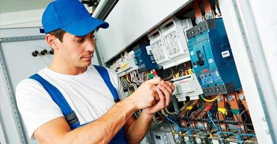 Услуги электрика – как выбрать толкового специалиста