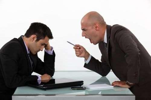 Что делать подчиненному при повышении на него голоса начальником?