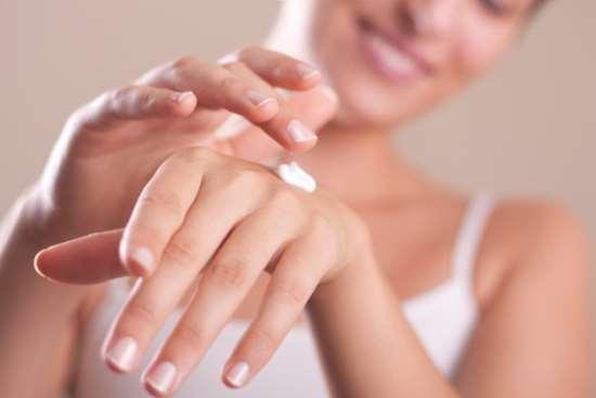 Что нужно знать об уходе за кожей рук в зимний период?