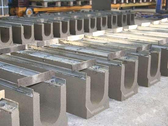 Преимущества бетонных лотков и методы их производства