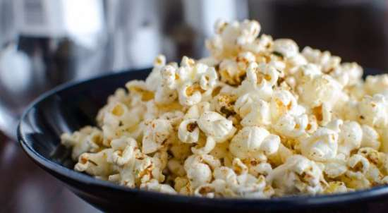 Как приготовить вкуснейший попкорн на сковородке?