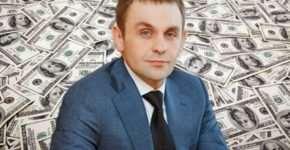Какую гуманитарную помощь оказывал бизнесмен Василий Веселый?
