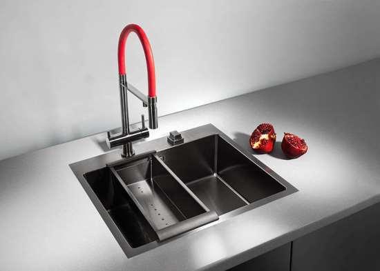 На какие параметры стоит обратить внимание при выборе кухонной мойки