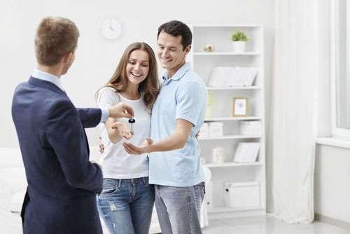 Покупка квартиры с помощью риелторов – неоспоримые выгоды