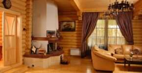 Интерьер с деревянной отделкой