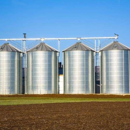 Чем отличаются коммерческие и фермерские силосы для хранения зерна