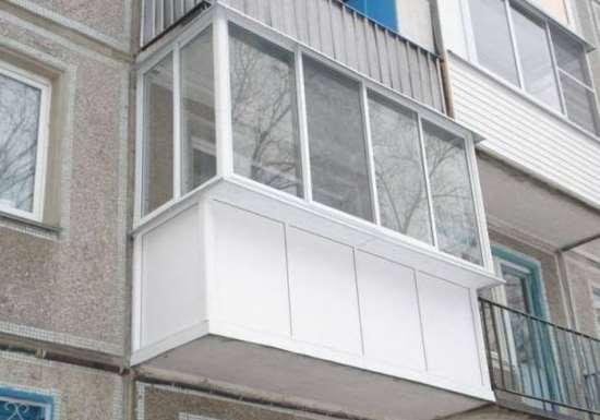 Нюансы проведения остекления балкона своими руками