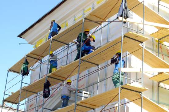 Что входит в профессиональную услугу фасадных работ?