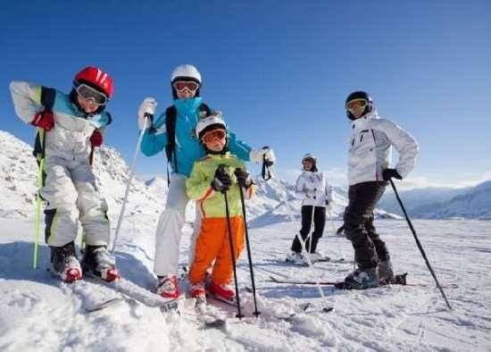 Отдых в Красной Поляне – где взять лыжи напрокат