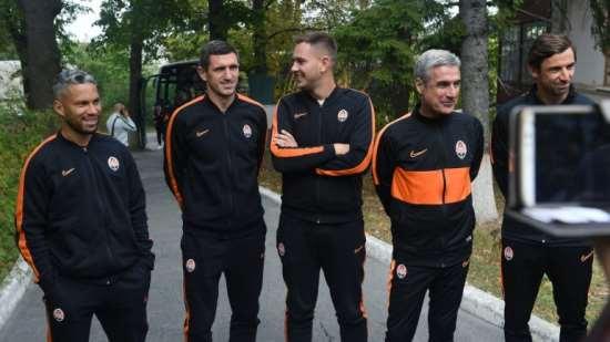 Футболисты ФК «Шахтер» вместе с главой ОГА побывали в доме ребенка
