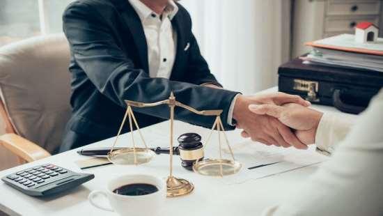 Юридические услуги: как выбрать специалиста?