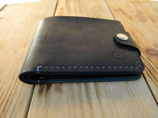 Мужской бумажник: стиль или практичность?