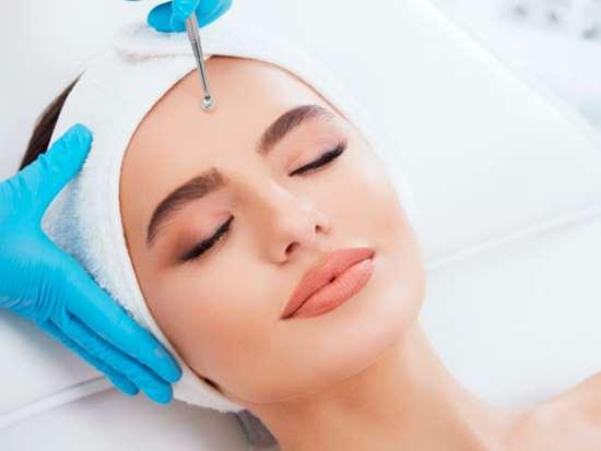 Чистка лица — польза и для здоровья, и для красоты