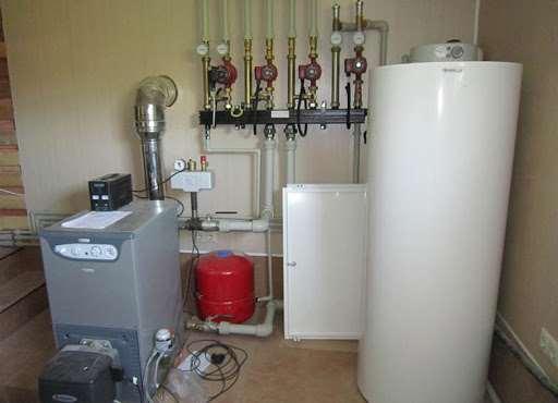 Элементы системы отопления и водоснабжения в доме