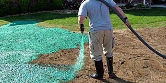 Гидропосев газона с помощью профоборудования