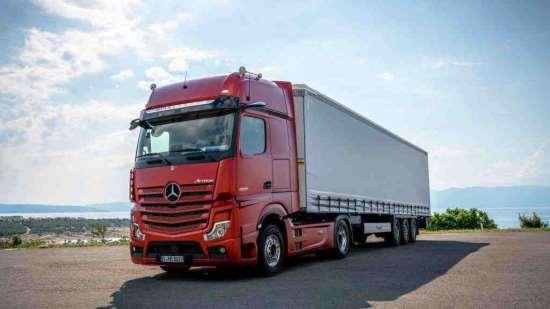 Чем хороши перевозки грузов автомобильным транспортом?