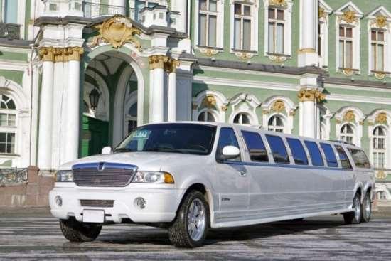 Зачем нужен прокат лимузинов на свадьбу?