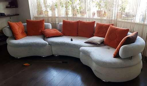 Перетяжка мебели: обращаться ли к специалистам?