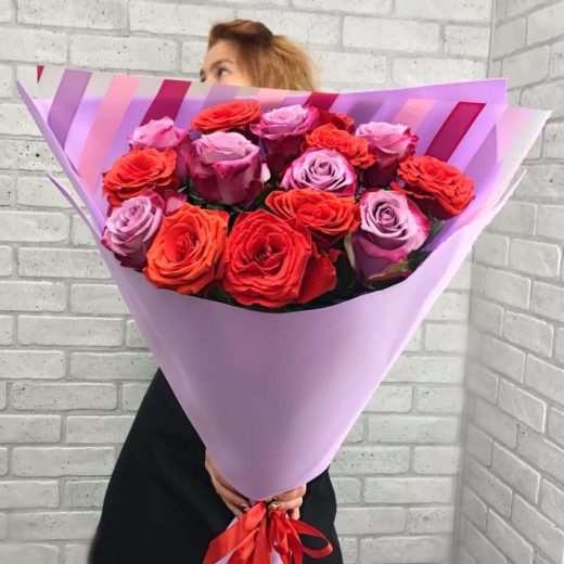 Доставка цветов курьером в Нижнем Новгороде