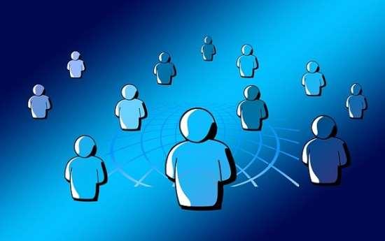 Почему сеть Фейсбук является отличным способом поиска друзей?