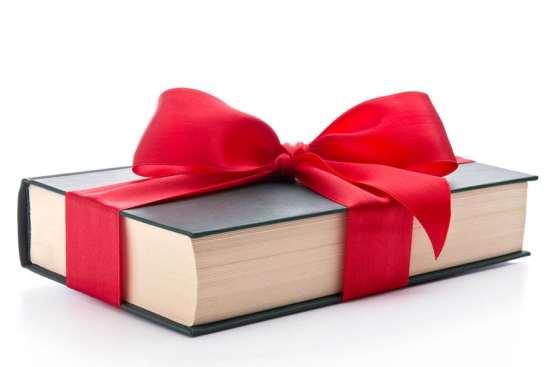 Книга в виде подарка: насколько актуально?