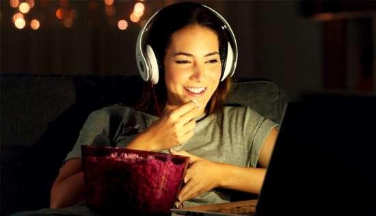 Возможность просмотра фильмов и сериалов в сети