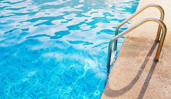 Изделия и средства для бассейнов