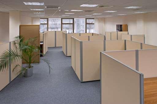 Основные разновидности офисных перегородок