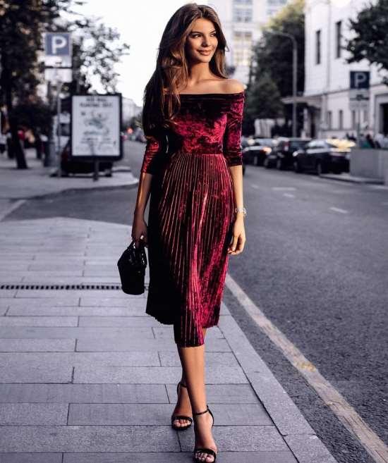 Популярные тренды осенних женских платьев