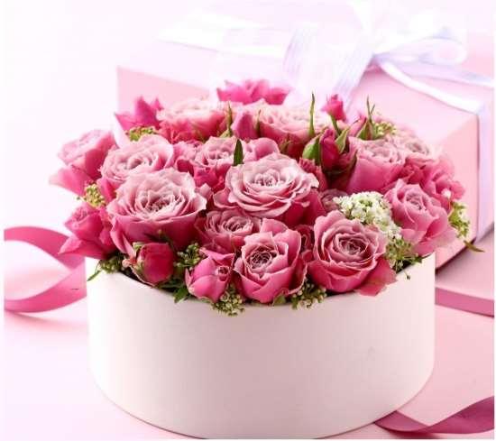 Коробки с цветами в качестве подарка