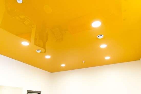 Широкий выбор натяжных потолков от компании «Orange»